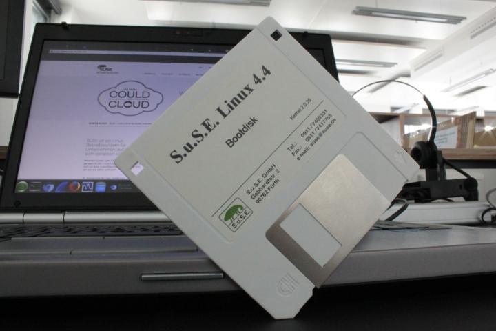 S.u.S.E. Linux 4.4